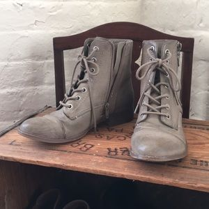 Guess Grey boots, size 6